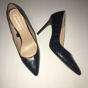 WHO WHAT WEAR black closed pointed toe croc heel
